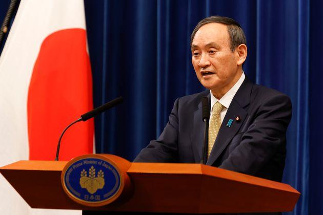 1月13日、官邸で記者会見する菅義偉首相