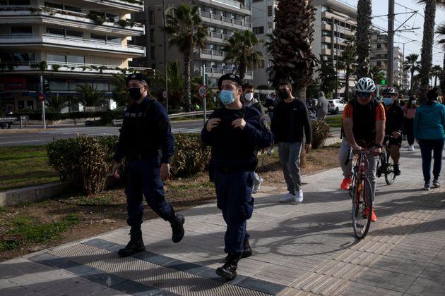 Κορονοϊός: 671 νέα κρούσματα και 25 νεκροί το τελευταίο