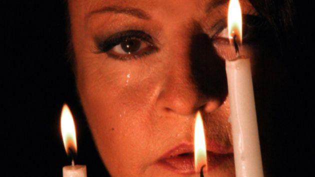 «Με τη Σιωπή»: Η βραβευμένη παράσταση online