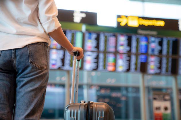 Tests de dépistage: des centaines de voyageurs n'ont pas pu prendre leur