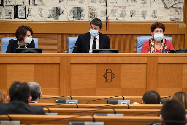 La conferenza stampa con Elena Bonetti, Matteo Renzi, Teresa