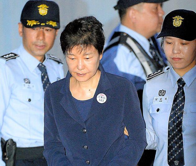 2017年5月23日、ソウル中央地裁に到着した前大統領の朴槿恵被告=東亜日報提供