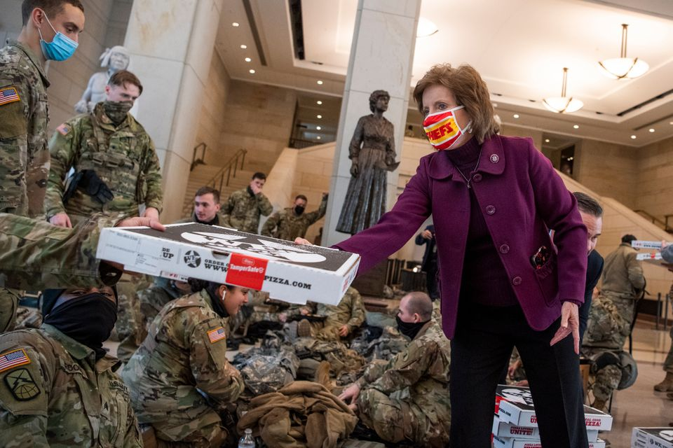UNITED STATES - JANUARY 13: Rep. Vicky Hartzler, R-Mo., delivers pizza to members of the Delaware National...