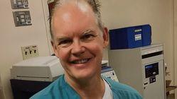 Medico muore 2 settimane dopo il vaccino in Florida: