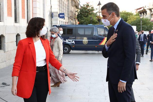 Díaz Ayuso y Sánchez, el día de su reunión en la Puerta del