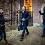 Si dimette il governo olandese di Rutte, travolto dallo scandalo sui bonus