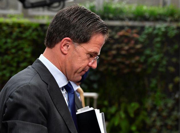 Aux Pays-Bas, le gouvernement de Mark Rutte démissionne à la suite d'un scandale administratif...