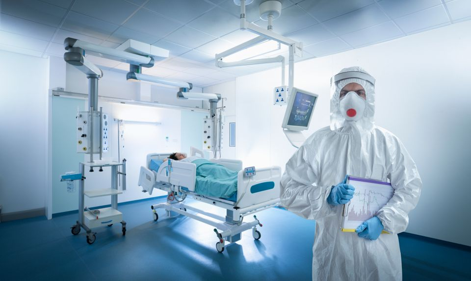 A nurse wearing protective gear in ICU during the Covid-19 global