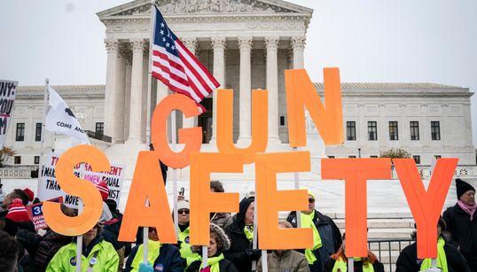 Lobby delle armi Nra dichiara bancarotta, si riorganizza per resistere a Biden e giudici (di L.