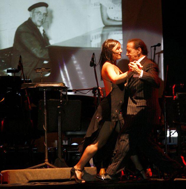 Mort de Juan Carlos Copes est mort (Juan Carlos Copes en représentation le 19 April, 2007 à Montevideo...