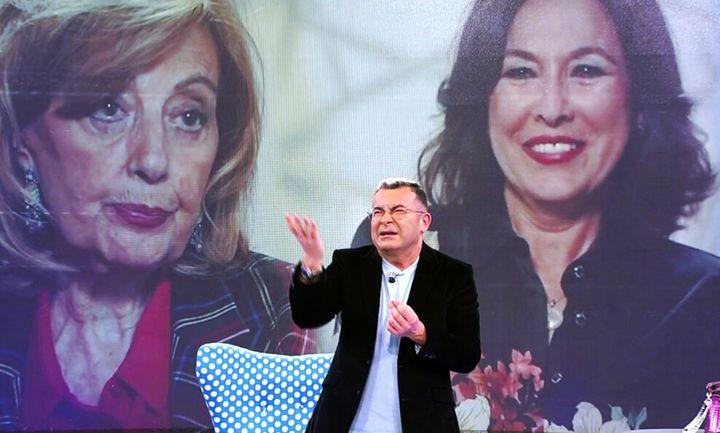 Una imagen de María Teresa Campos e Isabel Gemio, proyectada durante el programa 'Sálvame'.