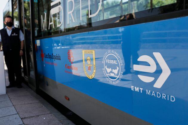 Un autobús de la flota de la EMT, en