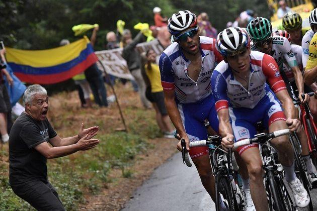 David Gaudu emmène son leader Thibaut Pinot sur le Prat d'Albis, en Ariège, le 21 juillet