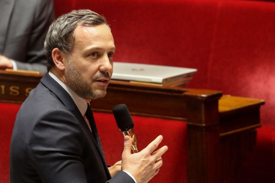 Le secrétaire d'État en charge de l'Enfance et des Familles, Adrien Taquet, à l'Assemblée nationale le 7 mai 2020.