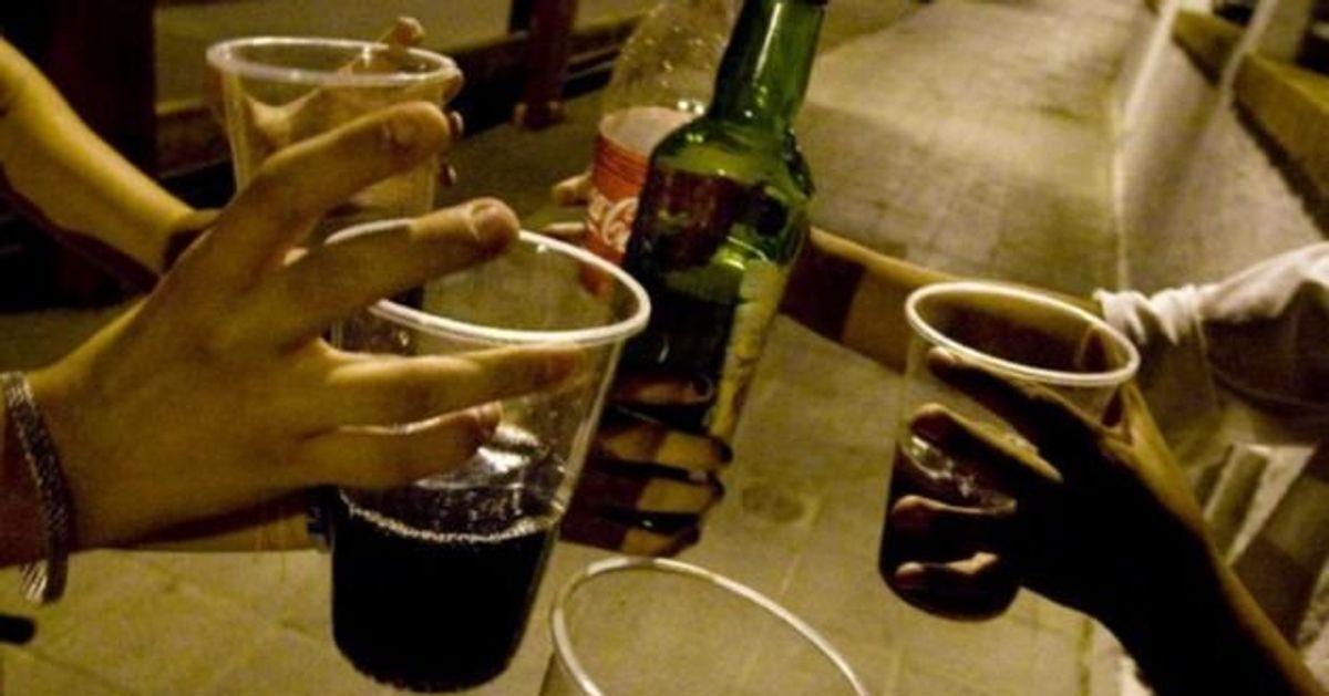 Desalojan a 64 personas que celebraban una fiesta ilegal en Barcelona