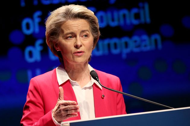 ΕΕ: Tweet στα ελληνικά έστειλε η Ούρσουλα φον ντερ Λάιεν για τους