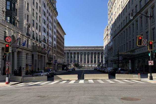 財務省に繋がる道は封鎖された(2021年1月14日)