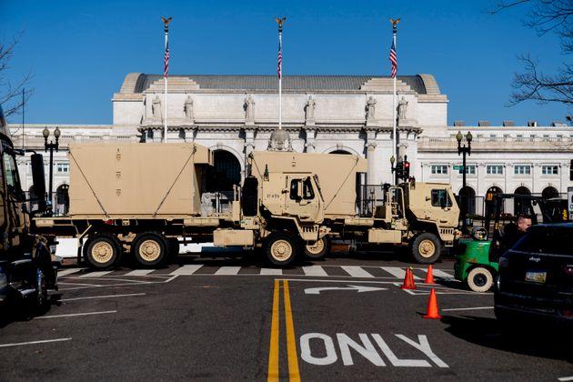 配置された軍用トラック(2021年1月14日)