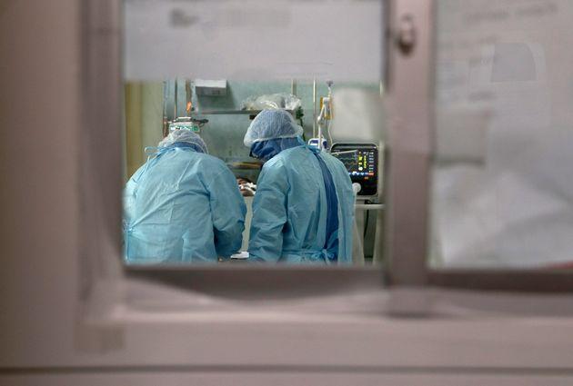 Ερευνα: 1 στους 8 ασθενείς κορονοϊού πεθαίνει εντός 140 ημερών μετά την