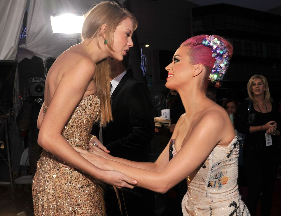 (L-R) Taylor Swift and Katy