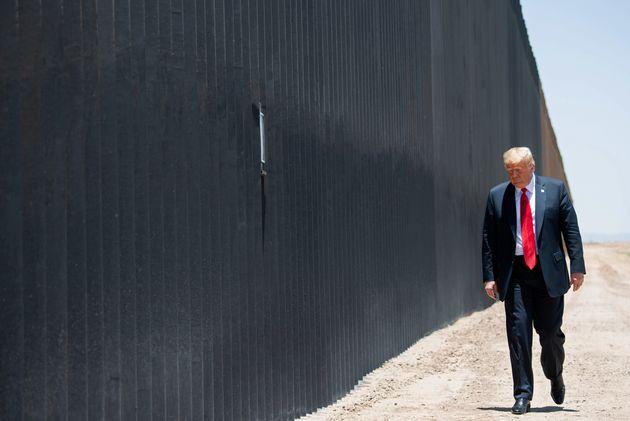 Donald Trump (ici photographié au mois de juin 2020 à l'occasion d'une visite dans l'Arizona à proximité...