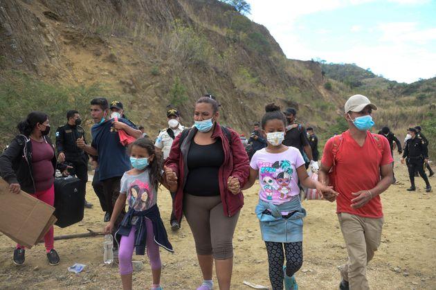 Γουατεμάλα: Η αστυνομία διέλυσε το καραβάνι των μεταναστών από την