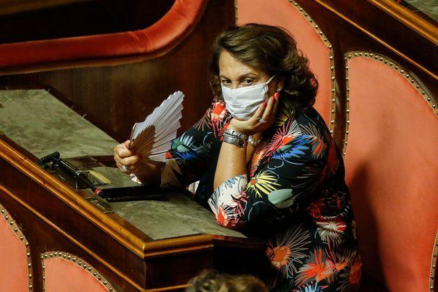 Sandra Lonardo, nell'aula del Senato durante il voto di fiducia sul dl semplificazioni, Roma 4 settembre...
