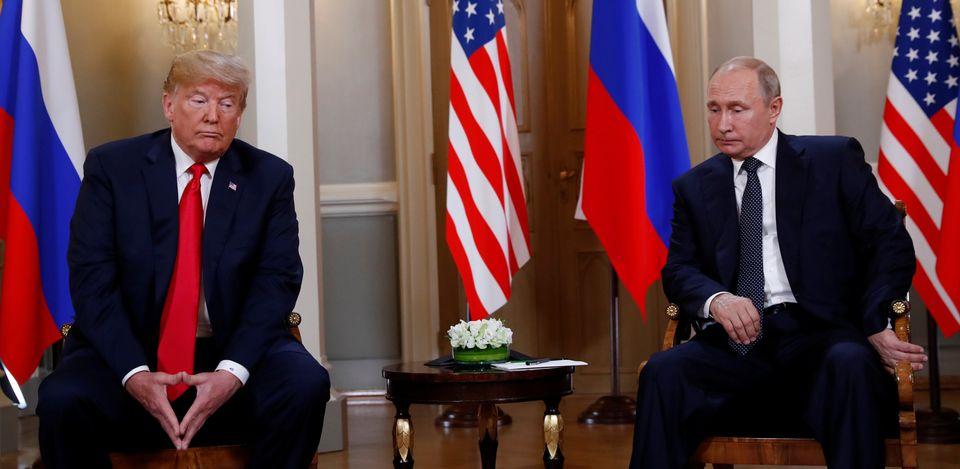 Από τη συνάντηση Τραμπ Πούτιν,...