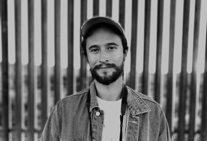 Laiken Jordahl documente les dommages écologiques perpétrés à la frontière avec le Mexique.