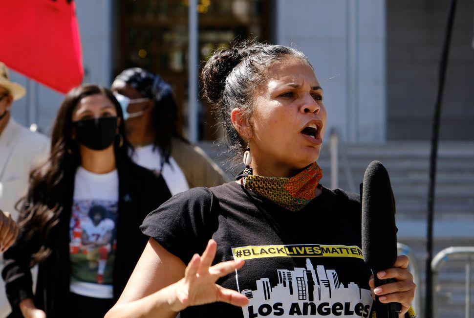 """Melina Abdullah Melina Abdullah participe à la marche """"Black Lives Matter"""" organisée..."""