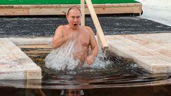 Ρωσία: Ο Πούτιν βούτηξε σε παγωμένα νερά για τα