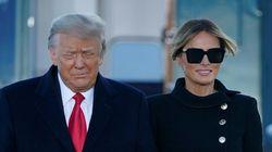 Melania Trump: de luto total pero sonriendo como en su