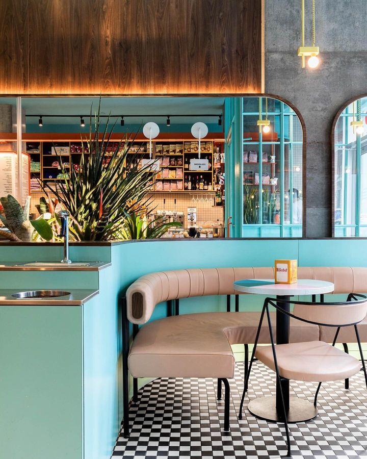 Caffettiera Caffé Bar à Montréal