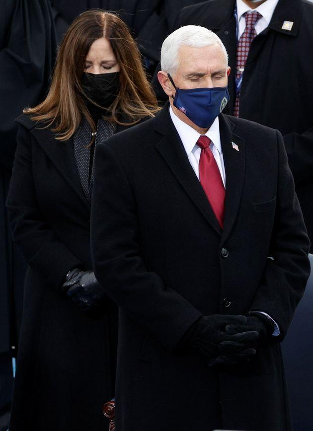 Mike Pence, vicepresidente saliente, durante el acto de investidura de
