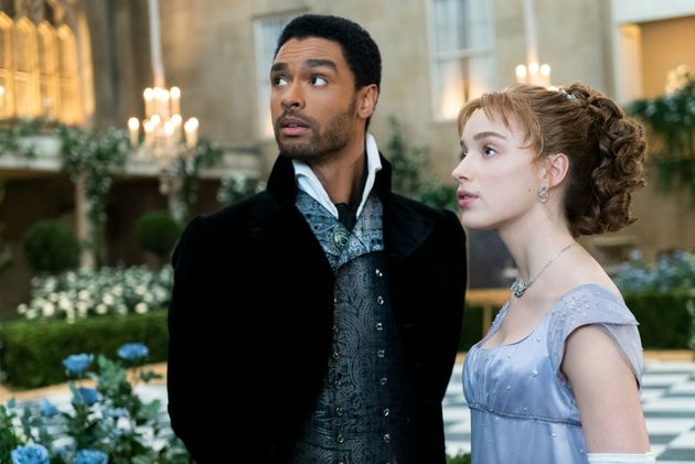 Regé-Jean Page as the Duke of Hastings and Phoebe Dynevor as Daphne Bridgerton in Shonda Rhimes'...