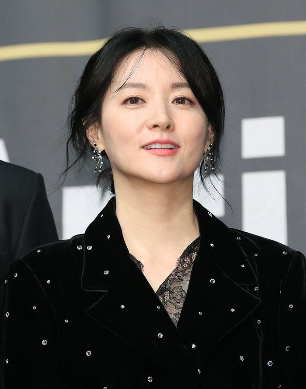 배우 이영애가 '아시아판 킬링 이브 드라마 '경이로운 구경이'에