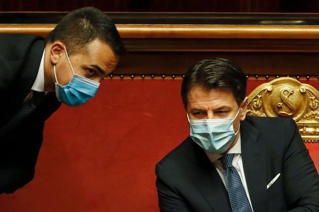 """Di Maio: """"Renzi aiuta Salvini e Meloni"""""""