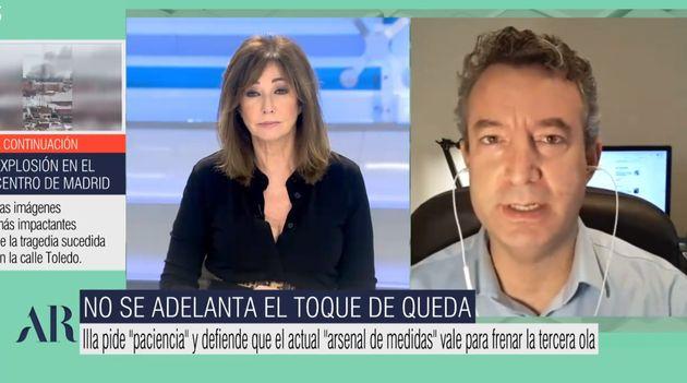 El doctor César Carballo en
