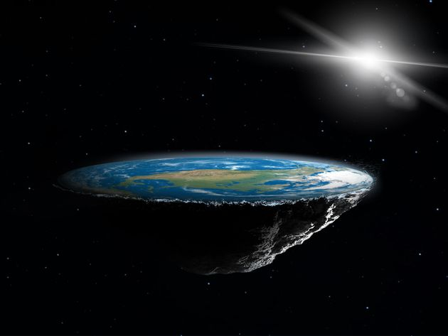 Επίπεδη Γη: Πρώην οπαδοί της θεωρίας μιλάνε για τη στιγμή που κατάλαβαν ότι η γη είναι
