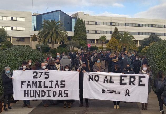 Manifestación contra el ERE en la Universidad Europea de