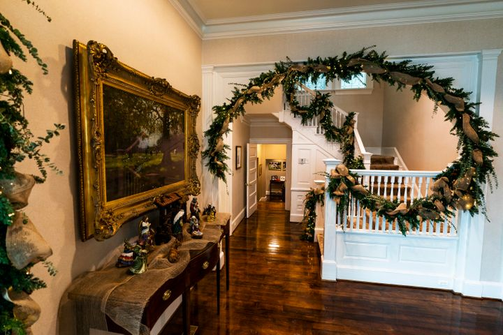 The foyer as decorated for the holidays by Karen Pence in 2020.