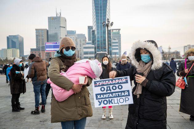 Μογγολία: Ο πρωθυπουργός παραιτήθηκε επειδή δεν δόθηκαν ζεστά ρούχα σε λεχώνα με