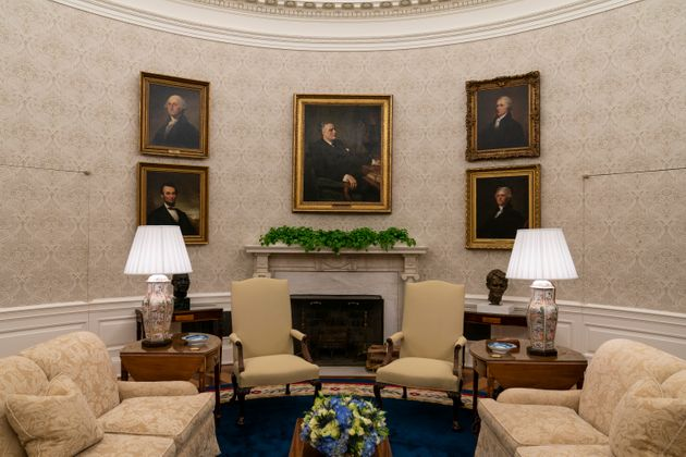 Portraits of former Presidents Franklin D. Roosevelt, Abraham Lincoln, George Washington and Thomas Jefferson,...