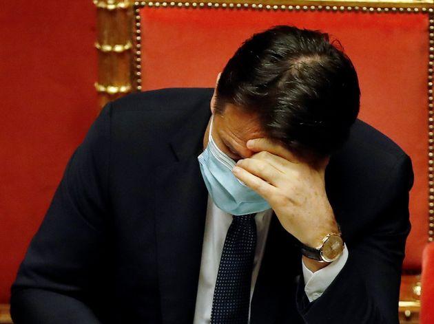 La doppia angoscia di Conte |  o Renzi o elezioni