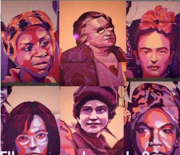 Mural feminista 'La unión hace la fuerza' en el poliderportivo del barrio de la