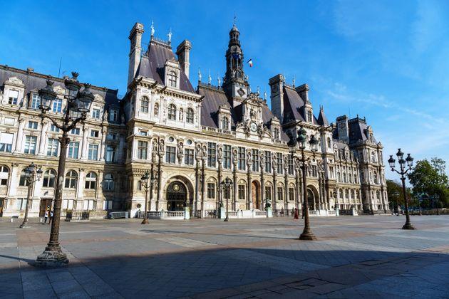 Le PCF demande à un de ses élus à Paris de se mettre en retrait après des...