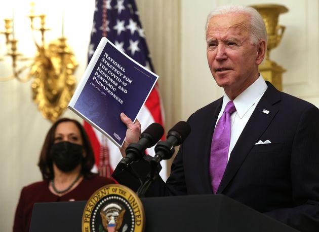 Biden impose la quarantaine a tous les voyageurs qui arrivent par avion (Photo du 21 janvier 2021. Alex...