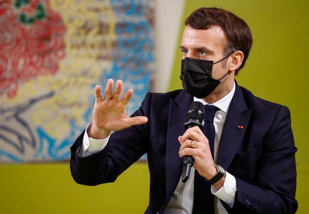 Emmanuel Macron, hablando a los estudiantes de la Universidad