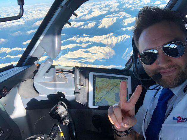 """""""Pochi voli per il covid: ero pilota, ora sono fattorino. Su LinkedIn sprono all"""
