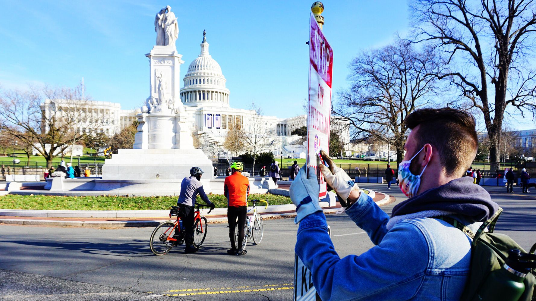 A Minute Of Kindness: The Military Veterans Who Cleaned DC Streets After Capitol Riot